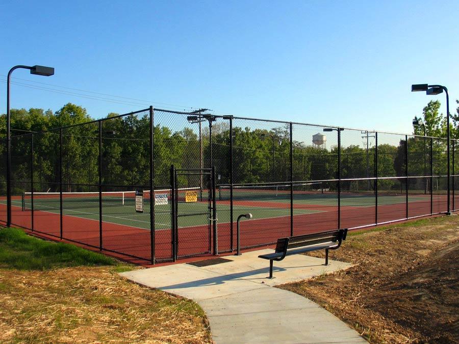 tennis-court-constructing