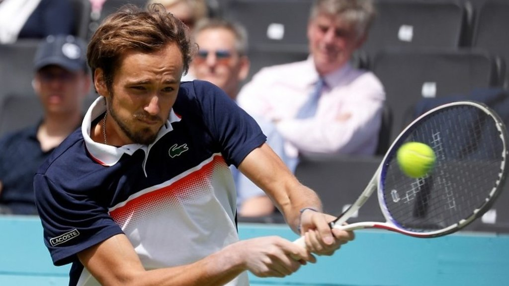 BBC TENNIS: Queen's: Best shots as Daniil Medvedev beats Fernando Verdasco
